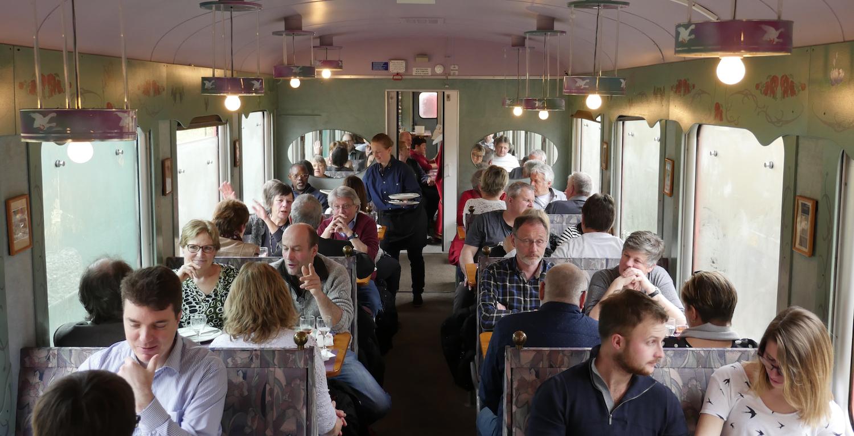 Catering an Bord des historischen RVT Gourmet-Zugs