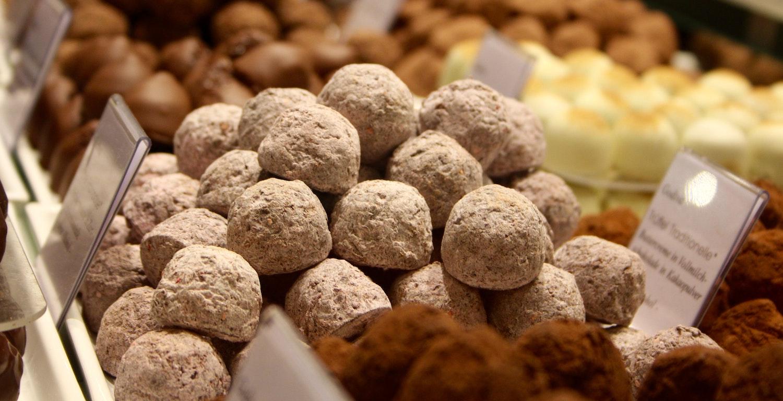 Trüffel aus Schokolade der Chocolaterie Seydoux, Noiraigue, Val-de-Travers